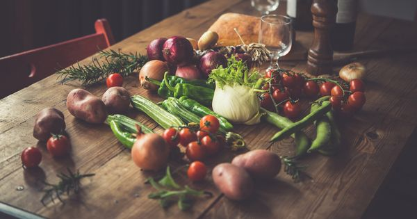 fresh-food-wooden-table-600x315_q80_crop-smart1